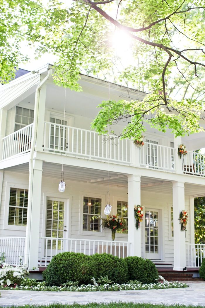 25 best ideas about southern front porches on pinterest for Southern style homes with wrap around porch for sale