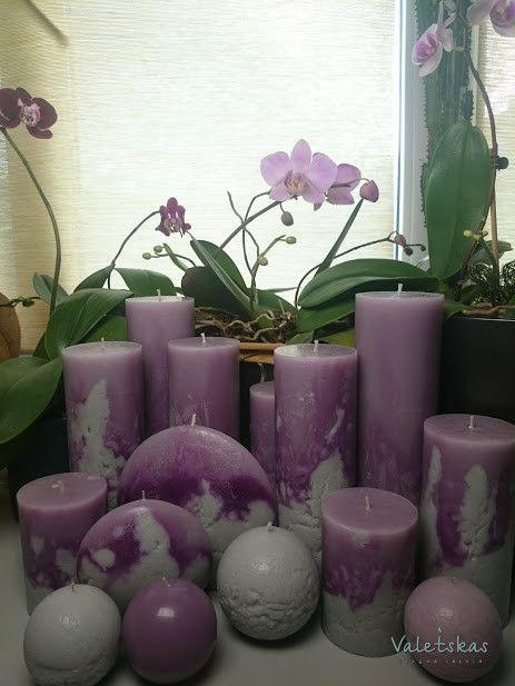 Решила создать такую, серо-фиалетовую коллекцию. Сделала свечи, и надо признаться стояли они пару недель на столе..... И вот однажды, начали расспускаться орхидеи. Удивительный симбиоз цвета! Как будто они принадлежат друг-другу.😏😏😏 #свечивподарок #студиясвечей #свечикрасноярск #свеча #свечиручнойработыкрасноярск #сувенир #красноярск #подарок #подарокизсибири #сибирь #2018год #годсобаки #новыйгод2018 #новый #candles #candle #happynewyear #handmadecandles…