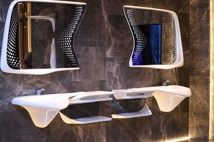 Гордость @NokenDesign на #Cersaie2016 - серия под названием #Vitae, что означает «жизнь», от выдающегося архитектора и дизайнера Заха Хадид.     #artcermagazine #design #интерьер #журнал #ceramica #tile #керамическаяплитка #дизайн #стиль #Болонья #выставка #интервью #Porcelanosa #ZahaHadid #ЗахаХадид #жизнь