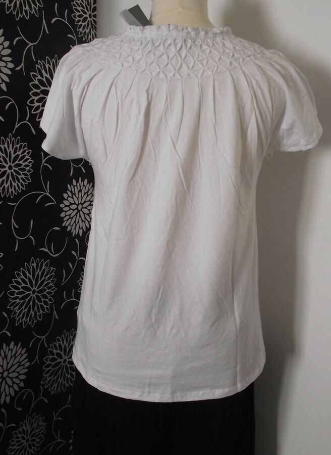 475a06a8cc35 NEW WOMAN'S WHITE CASUAL COTTON SUMMER T SHIRT TOP SIZE 8 10 12#CASUAL#