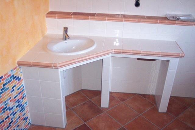 Tiled bathroom counter