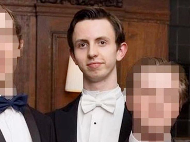 Cambridge University student who burned £20 note in front of homeless man says he 'abused his privilege'