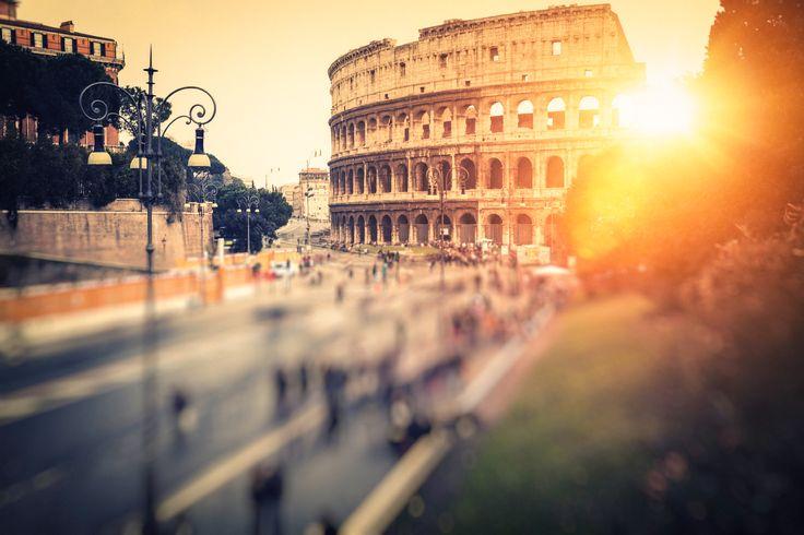 Wie wäre es mit einem Städtetrip in die ewige Stadt #Rom? Ein Spaziergang durch die antike Ruinenstätte Forum Romanum, ein Cappuccino an der Piazza Navona oder ein Erinnerungsfoto des berühmten Trevi-Brunnes - die Ewige Stadt hat für jeden Geschmack etwas zu bieten.  Übernachten könnt für nur 45 Euro zu zweit inklusive Frühstück im 3-Sterne #Hotel Caravel!
