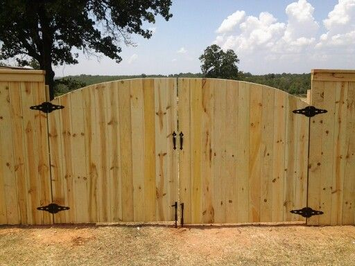 Drive Through Gate With Arch Top For Privacy Fence My