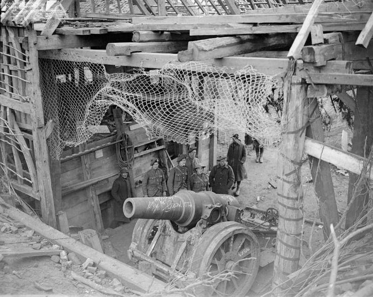 german howitzer captured at flesqui res 24 november 1917 the gun was captured by the gordon. Black Bedroom Furniture Sets. Home Design Ideas