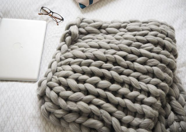 DIY | Arm Knitted Cosy Chunky Blanket | Made Up Style