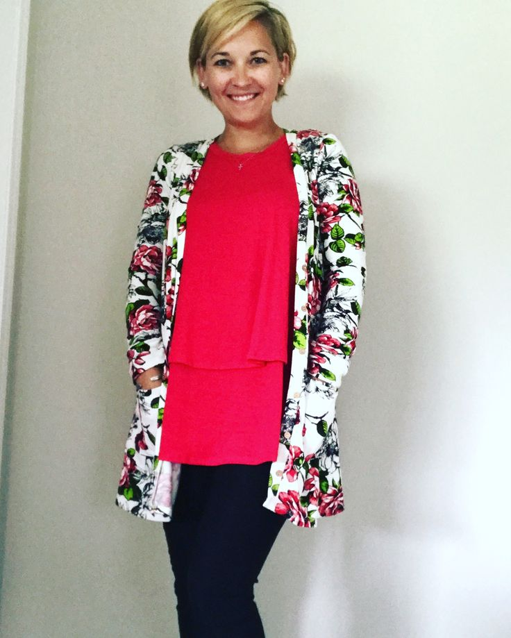 Agnes and Dora! Today's outfit of the day!! Floral Cardi, Red Tiered Tunic and black Pixie pants!!!! Click on the link in the bio to shop these pieces and more in tonight's LIVE sale!!!! #merakifashionboutique #agnesanddora #agnesanddorarep #comfortwithstyle #agnesanddorafavoritecardi #tieredtunic #pixiepants #lovetheseclothes