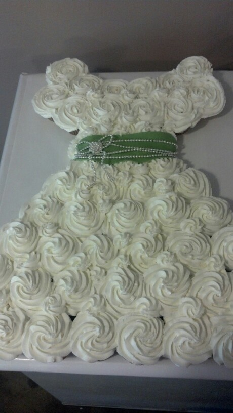 wedding cake dress cupcakes 17 best images about beth s wedding cake on 22550