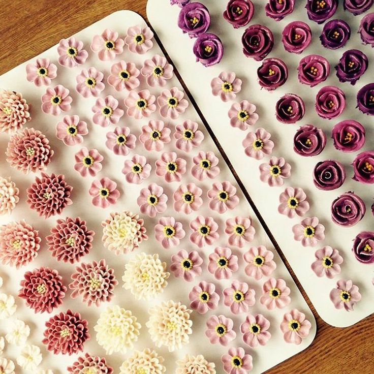 Korean flowers buttercream or bean paste - make all in advance, freeze for placing in cake ollicake@naver.com