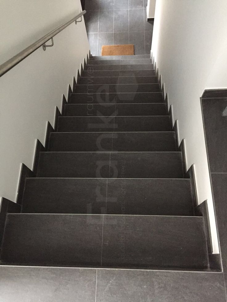 die besten 25 treppe fliesen ideen auf pinterest. Black Bedroom Furniture Sets. Home Design Ideas