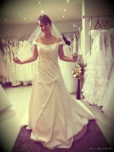 A tökéletes esküvői ruhapróba 10 aranyszabálya!