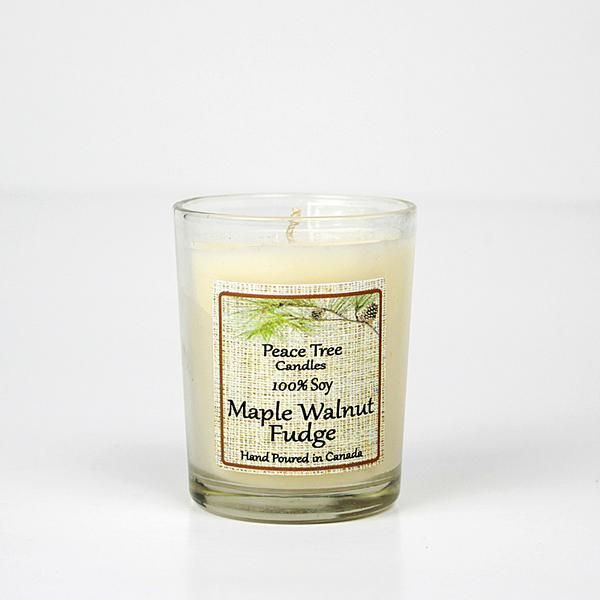 This lovely blend of maple, walnut and fudge is a sure treat for anyone who loves their home to smell like country baking. Perfect for the holidays! Hand poured