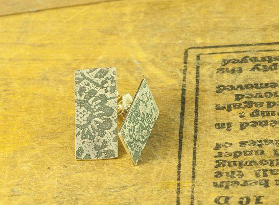 Boucles-d'oreilles puces dentelle en argent gravées
