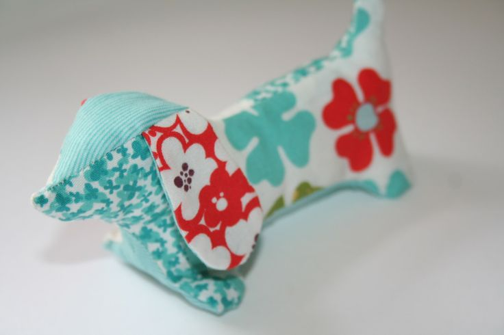 Lovely little pincushion ... looking forward to seeing the pattern