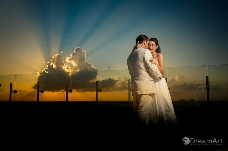Illuminated love. Newlyweds on their Wedding Photography session at #BeachPalace @palaceresorts @prweddings #DreamArtPhotography #Weddings #WeddingPhotography #DestinationWedding #Light #Cloud #Bride #Groom #WeddingDay #Mexico #Sunset