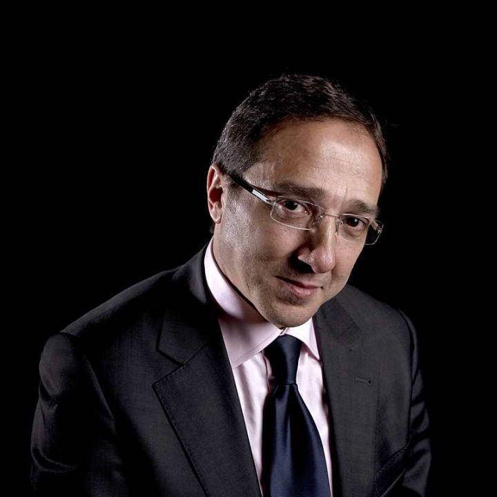 Faouzi Lamdaoui, conseiller de François Hollande démissionne  http://www.poluxmagazine.com/actu-blog/2014/12/3/faouzi-lamdaoui-conseiller-de-franois-hollande-dmissionne