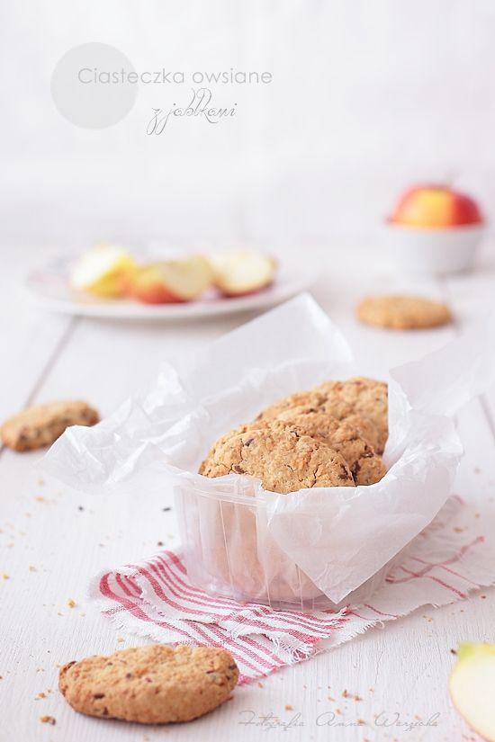 Wiem co jem: Ciasteczka owsiane z jabłkami i masłem orzechowym
