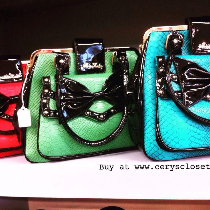 We ❤️ bows on bags! New bag stock! #rockabilly #rockabetty #pinup #bag #handbag #bow #pinupstyle #pretty