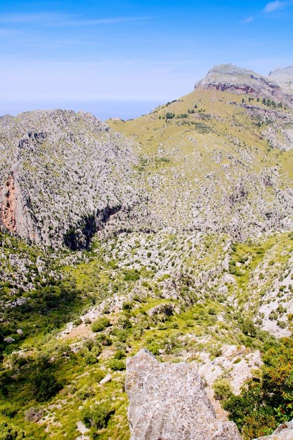 Tenemos una isla muy bonita por descubrir... En este enlace, cerca de 50 excursiones para recorrer Mallorca