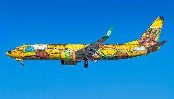 graffiti in a aeroplane!!!!!!!!amazing!!!