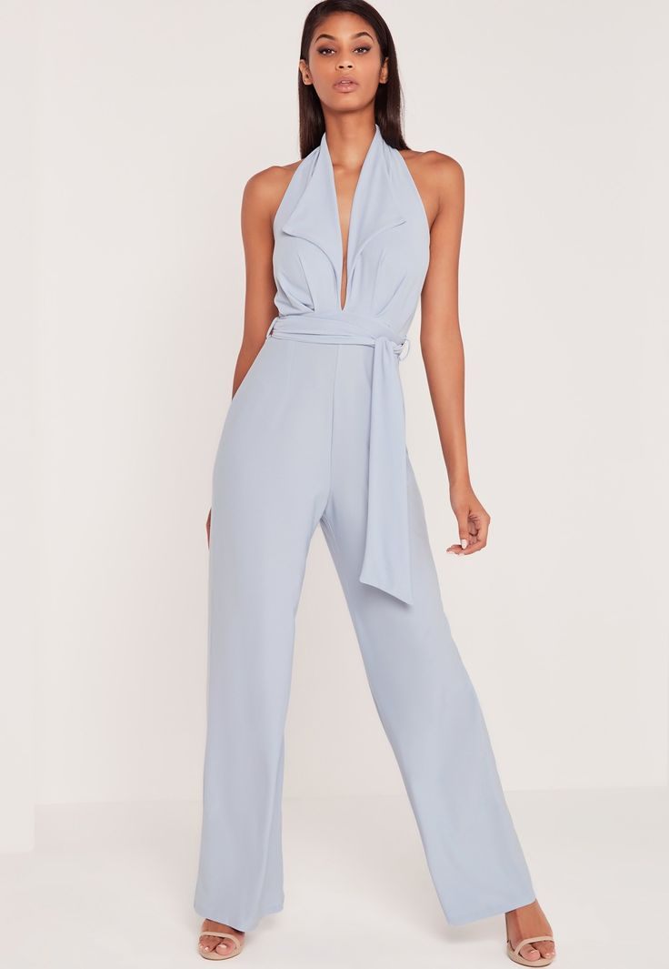 With over 300 styles available in various colors and finishes, Missguided  is the only place to shop jumpsuits online. Get yours now whilst stocks  last!