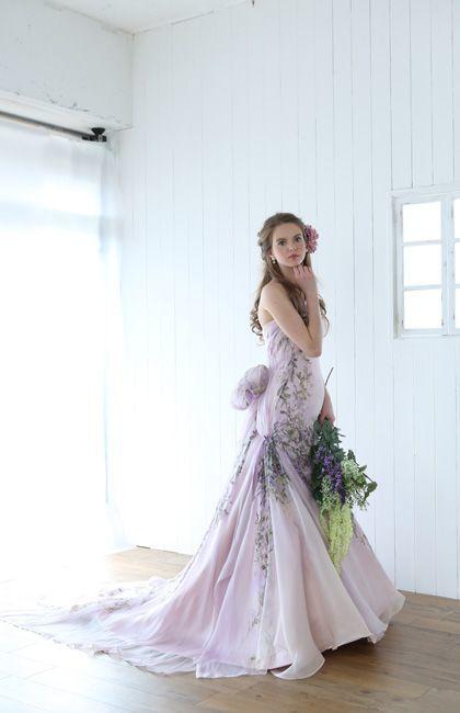 少女っぽさが漂うパステルパープルドレスは可憐な印象♡マーメイドのカラードレスは花嫁衣装にぴったり♡マーメイドドレスまとめ一覧♡