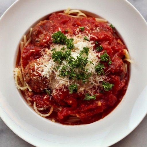 spaghetti met tomatensaus en gehaktballetjes2