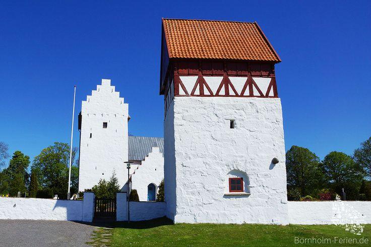 Glockenturm der Sankt Bodils Kirche #bodilsker #bodilskirke #bodilskirche #kirche #kirke #bornholm #daenemark #glockenturm