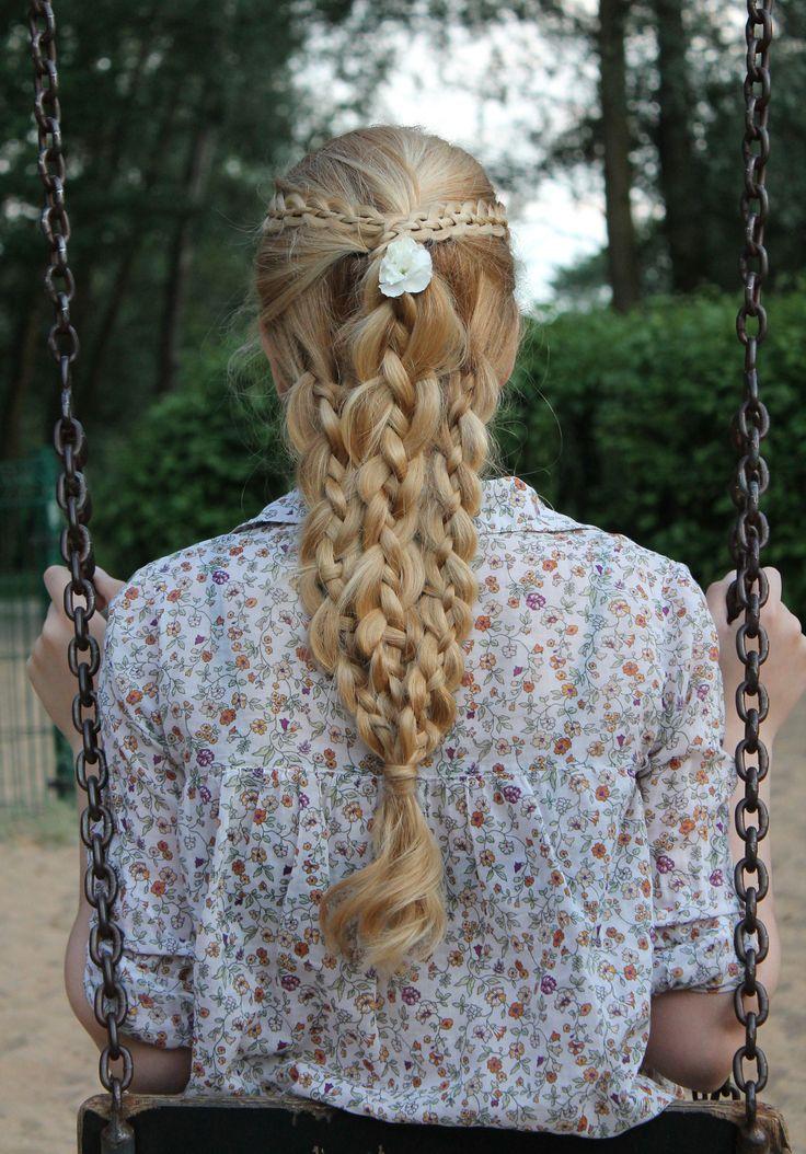 Hairstyle, 4-Strand Braids