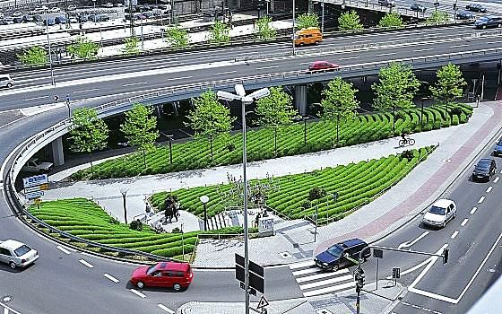 Urban lavender field in Mayence, Germany by Bierbaum + Aichele landscape architects. Click image for link to full profile and visit the slowottawa.ca boards >> https://www.pinterest.com/slowottawa/