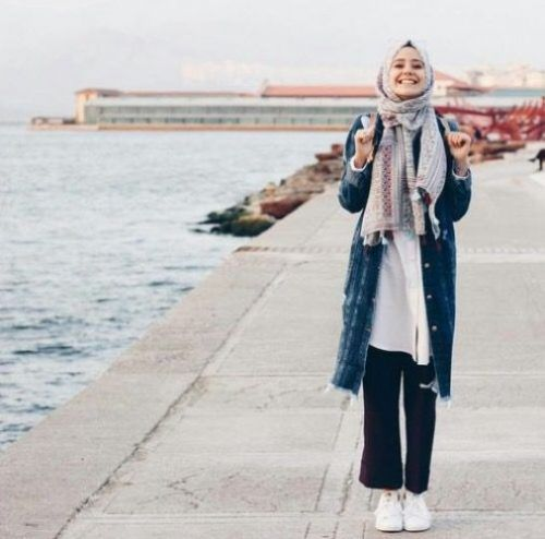How to wear the oversized jean jackets with hijab – Just Trendy Girls