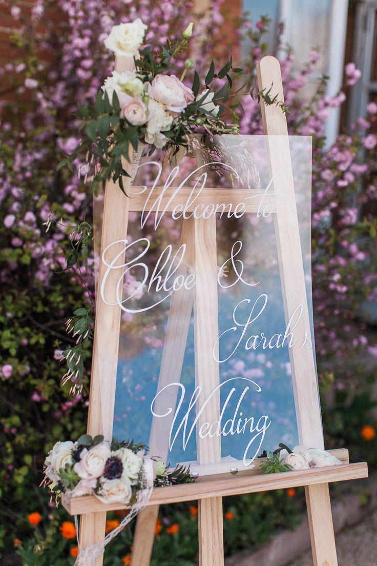 Calligraphy plexiglass ceremony welcome sign | #calligraphy #wedding #weddingdetails #weddingdecor