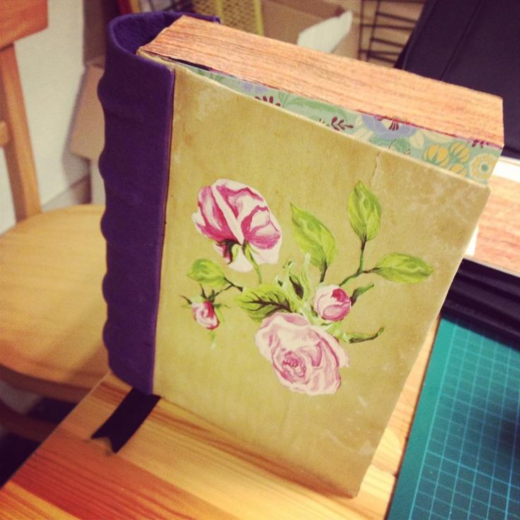 Boek surprise van een met magnetisch sluitende kaarten verpakking