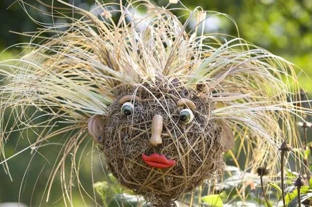 garden scarecrow ideas | scarecrow | Garden Ideas