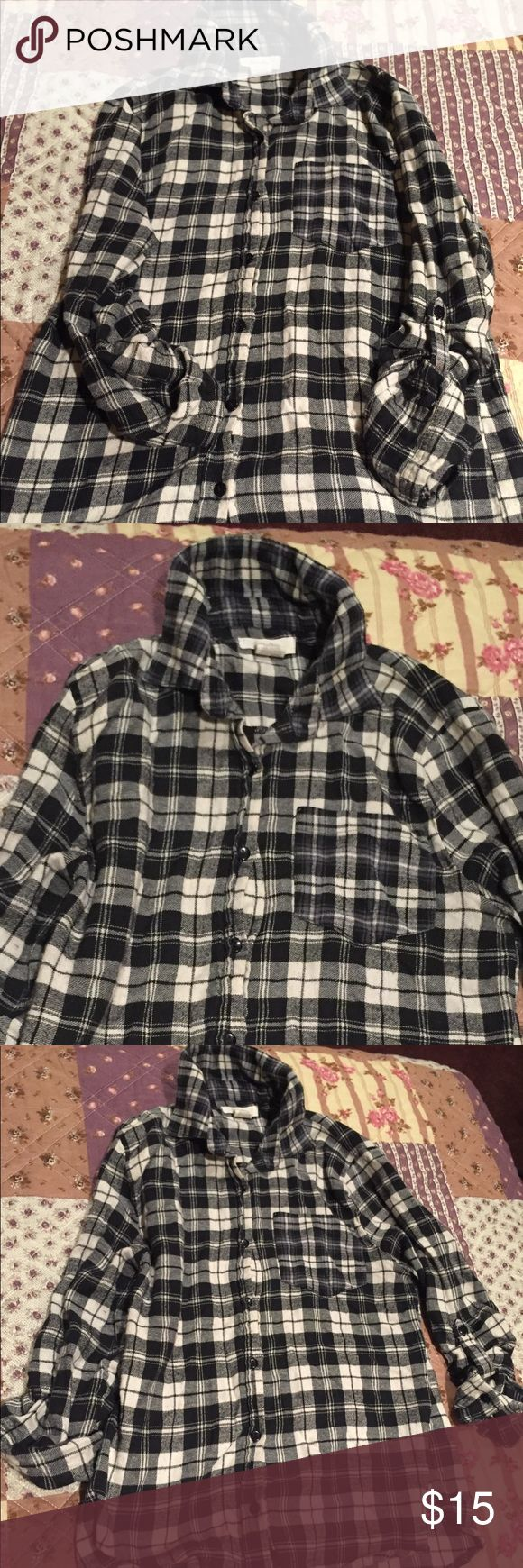 Love Notes Super Soft Black and White Flannel, M Super soft and great quality! Black and white classic flannel in good condition. Love Notes brand. Women's size medium. love notes Tops Button Down Shirts