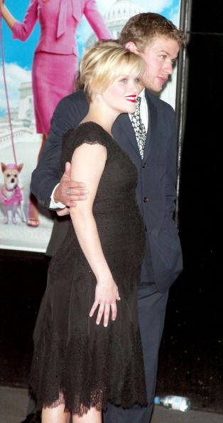 Reese Witherspoon and husband actor Ryan Phillippe attend 'Legally Blonde 2: Red, White and Blonde' film premiere at The Ziegfeld Theater in New York City (June 30, 2003)