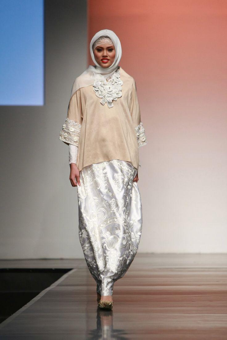 "Ronald V Gaghana ""Elements"", Jakarta Islamic Fashion Week 2013"