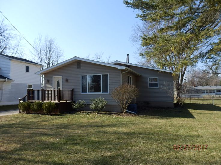Saint Johns MI House For Sale Sell Home RE/MAX Dewitt Realtor, Deb Good. Schedule a Realty Showing? Text or Call Me: 517-719-3323. Find Real Estate in 708 Wight Street St Johns Michigan Clinton County #remaxdewitt