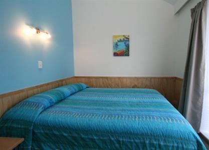 Motel - 2 bedroom - Byron`s Resort - Otaki Beach Accommodation ...