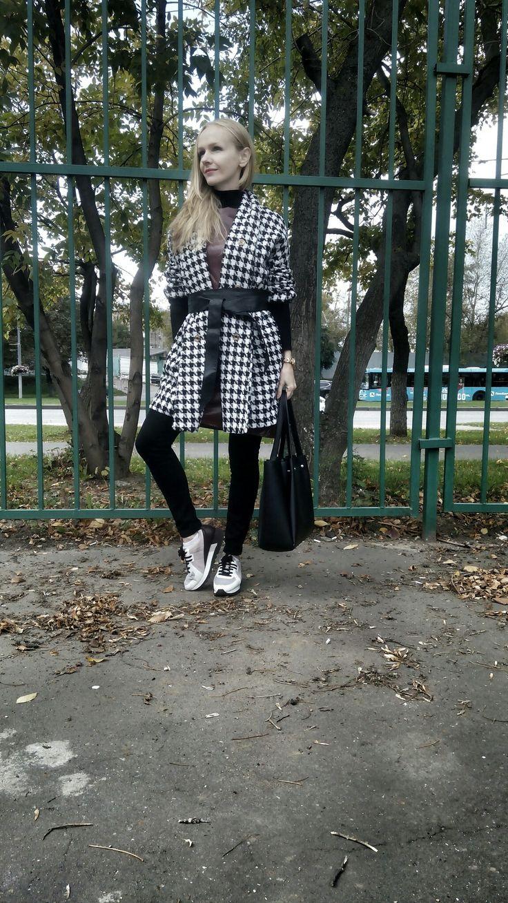 Street style, fall fashion, black-and-white jacket