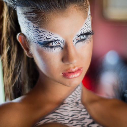 Maquillaje para carnaval.: Artistic Makeup, Maquillaje Fantasía, Fantasy Makeup, Eye Makeup, Makeup, Halloween Makeup, Makeup Ideas, Fantasia Animal, Animal Prints Faces Makeup