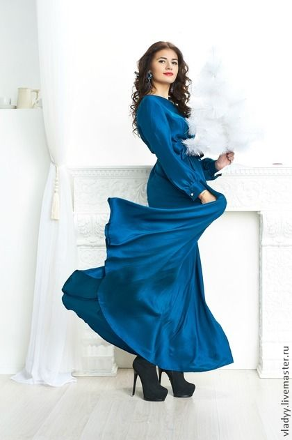 новогоднее платье. платье из натурального шелка.шелк плотный шатунг.на заказ можно использовать вареный шелк.шатунг или вареный шелк в отличии от обычного шелка имеют более плотную структуру что позволяет носить его и в повседневной жизни.