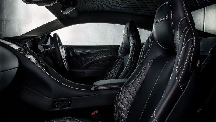 """Aston Martin a enfin tourné la page de la plateforme """"VH"""" de l'ancienne génération de DB9 avec la DB11, mais la marque anglaise n'a pas encore enterré l'actuelle Vanquish, qui poursuit sa carrière au salon de Los Angeles avec un tout nouveau modèle... en attendant le remplacement, prévu pour 2018."""