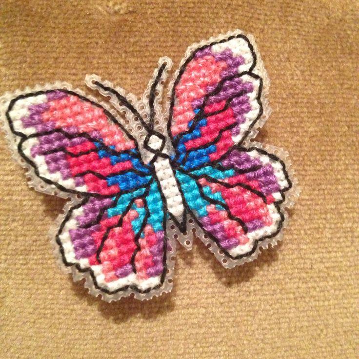 Kanaviçe kelebek broş plastik kanvas