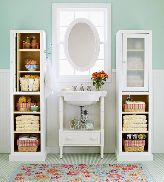Organized and cheerful bathroomWall Colors, Bathroom Design, Small Bathroom, Bathroom Storage, Bathroom Ideas, Bathroomstorage, Storage Ideas, Smallbathroom, Design Bathroom