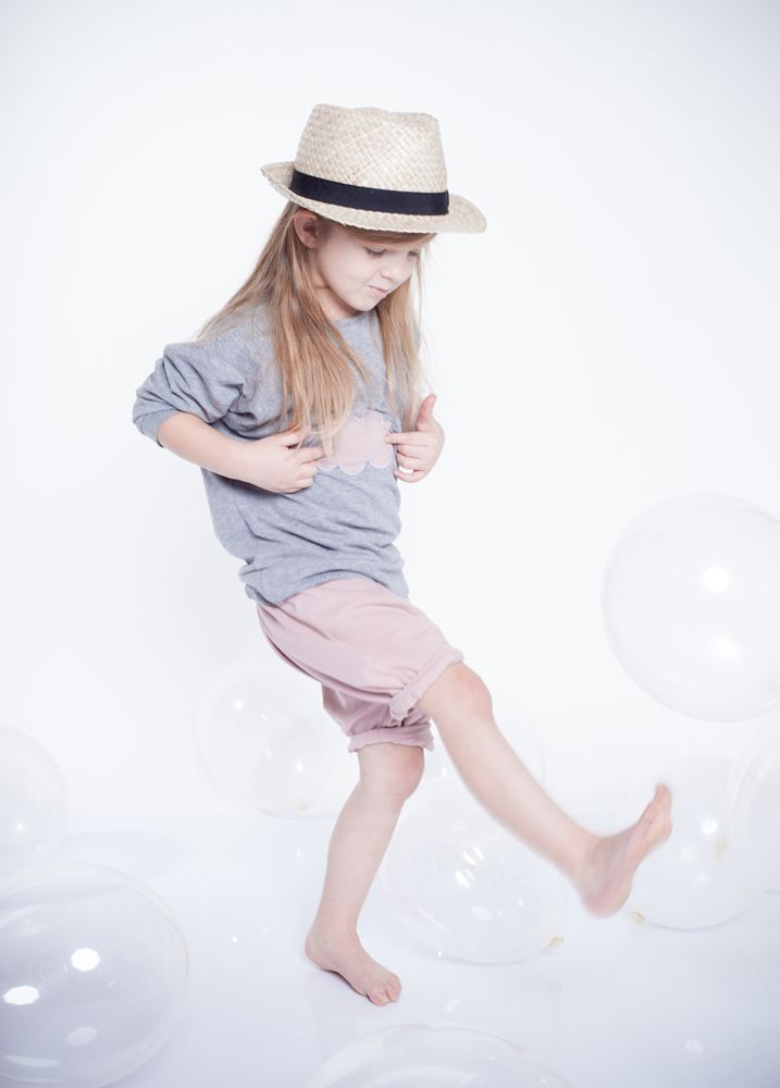 Cloud Top Summer - Kids on the Moon, € 25.0 by Mirtilla (tutti i colori  1)