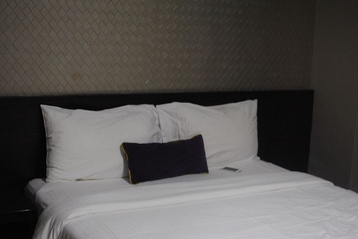 If you want to stay in a hotel with a good location and a good standard without paying too much, V Hotel Lavender is the place for you! It is located just next to a MRT station, Lavender, which makes it really easy to access and you can get anywhere