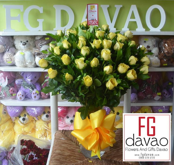 3 Dozen Yellow Roses in A Vase Flowers in A Vase and Chocolates  www.FGDavao.com  #flowers #flowersinavase #flowerarrangement #floral #fleurs #florist #flowershop #fgdavao #flowerdelivery #sendflowers #flowersandgifts