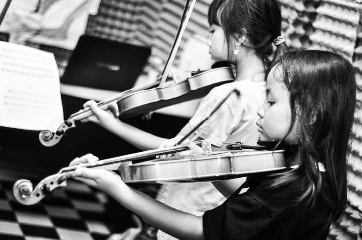 """Violin, bow, and we must learn. Taken when the photo session RPM - the Royal of Potential Music #music #violin #bw #blackandwhite #blackwhite #hitamputih…"""