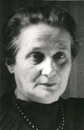 A.Achmatova